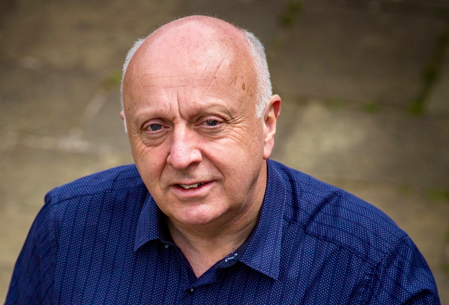 Laurence Perkins Web -91